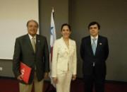Sr. Hernández y Sr. Ruescas con la Directora del Instituto Nacional de Cultura de Panamá, Dña Maria Eugenia Herrera, en la sede del Instituto Cervantes (Madrid)